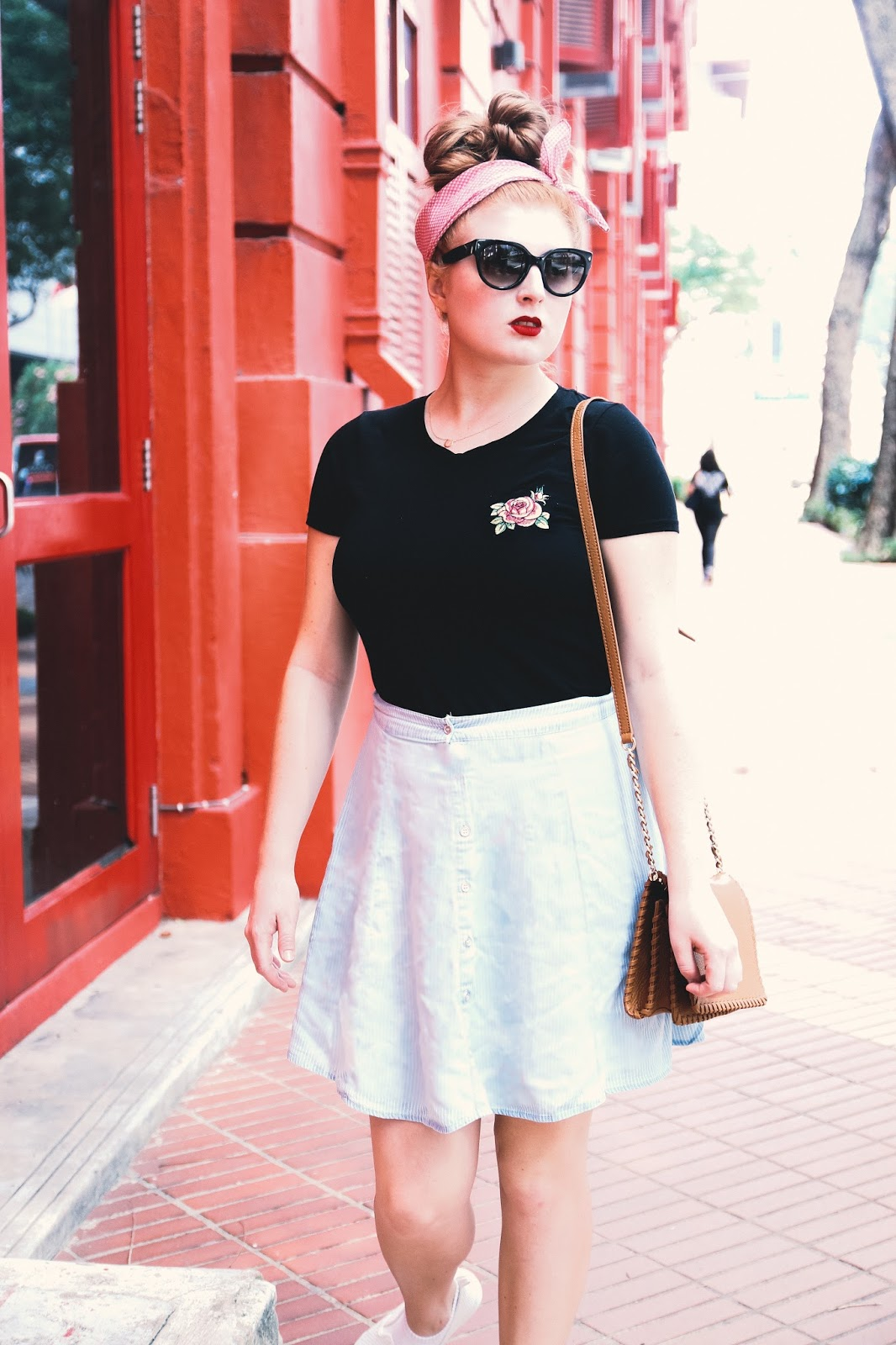 HOW TO STYLE A ROSE EMBROIDERED TOP FOR SPRING