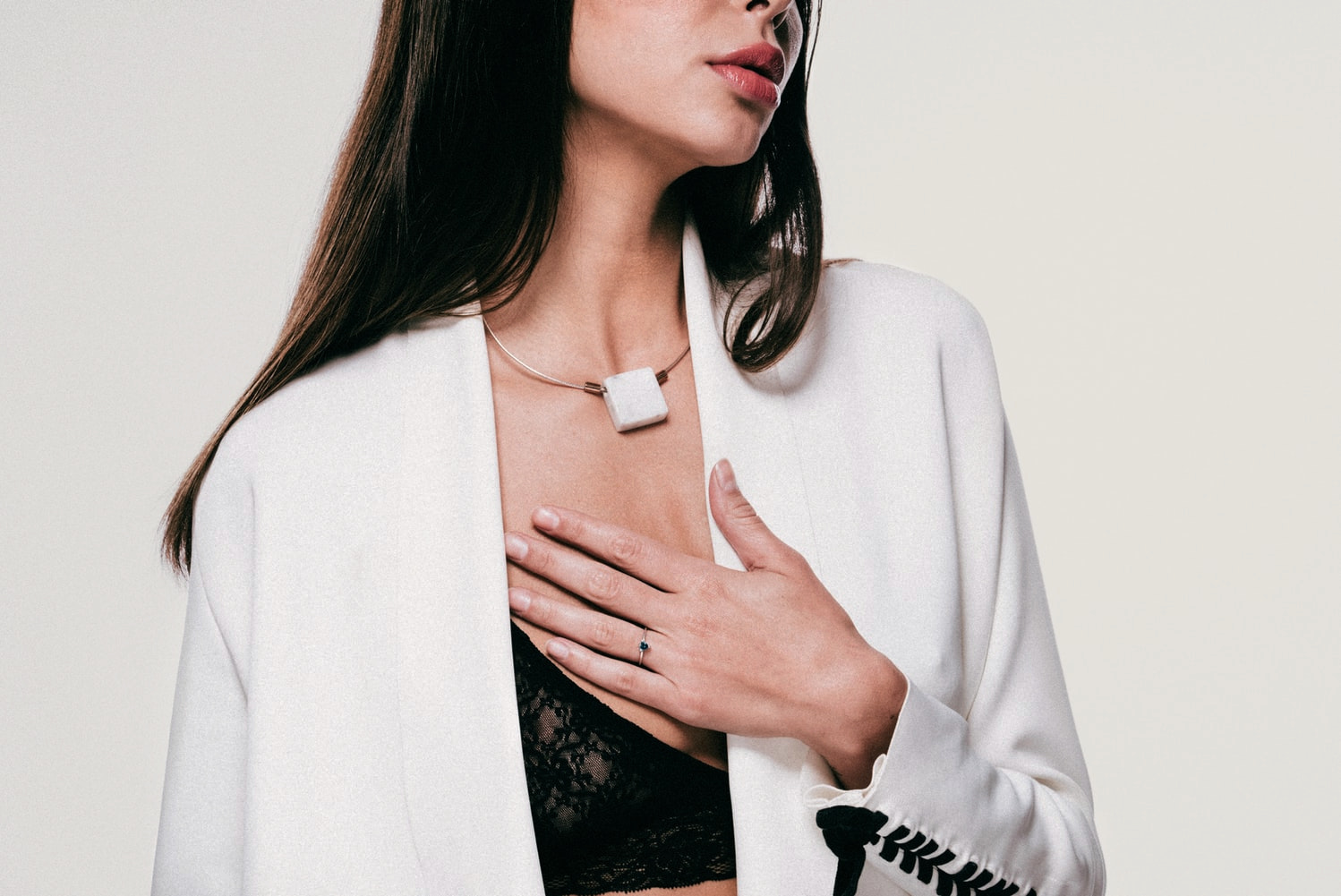 THREE BEST SUMMER JEWELRY TRENDS: SHELLS, OVERSIZED ACCENTS AND LAYERS