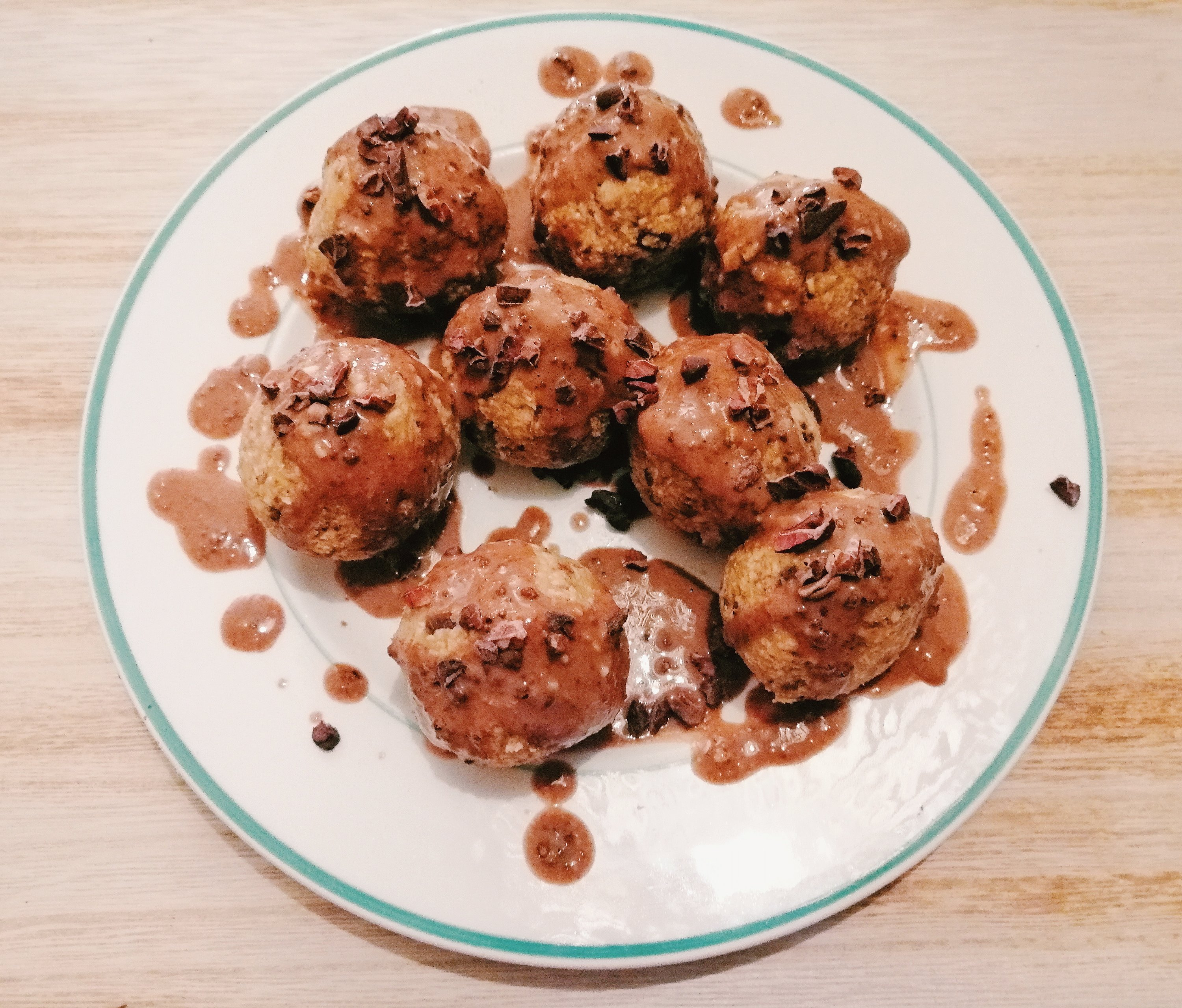 Healthy Choc Chip Cookie Dough Balls