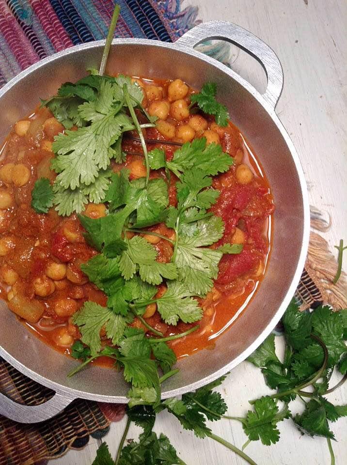 Chole bhuna (chickpea curry)