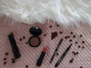 Korte review: CATRICE make-up a hug in a mug