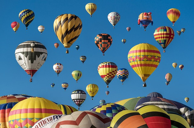 hot-air-balloons-1867279_640